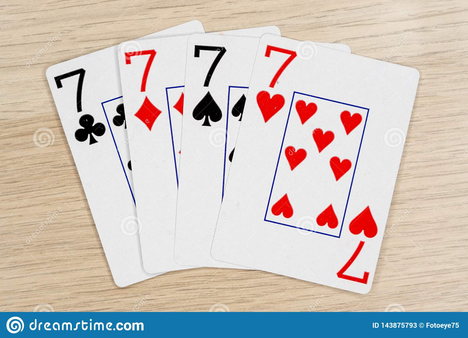 4 do sevens amáveis 7 - casino que joga cartões do pôquer