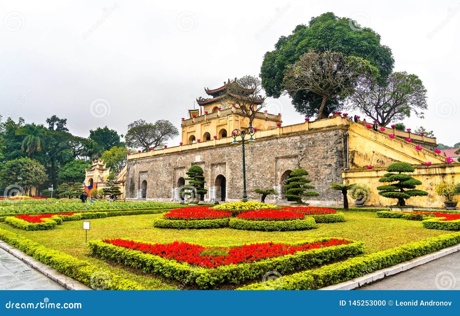 Doan Mon, der Haupttor langer Kaiserzitadelle Thang in Hanoi, Vietnam