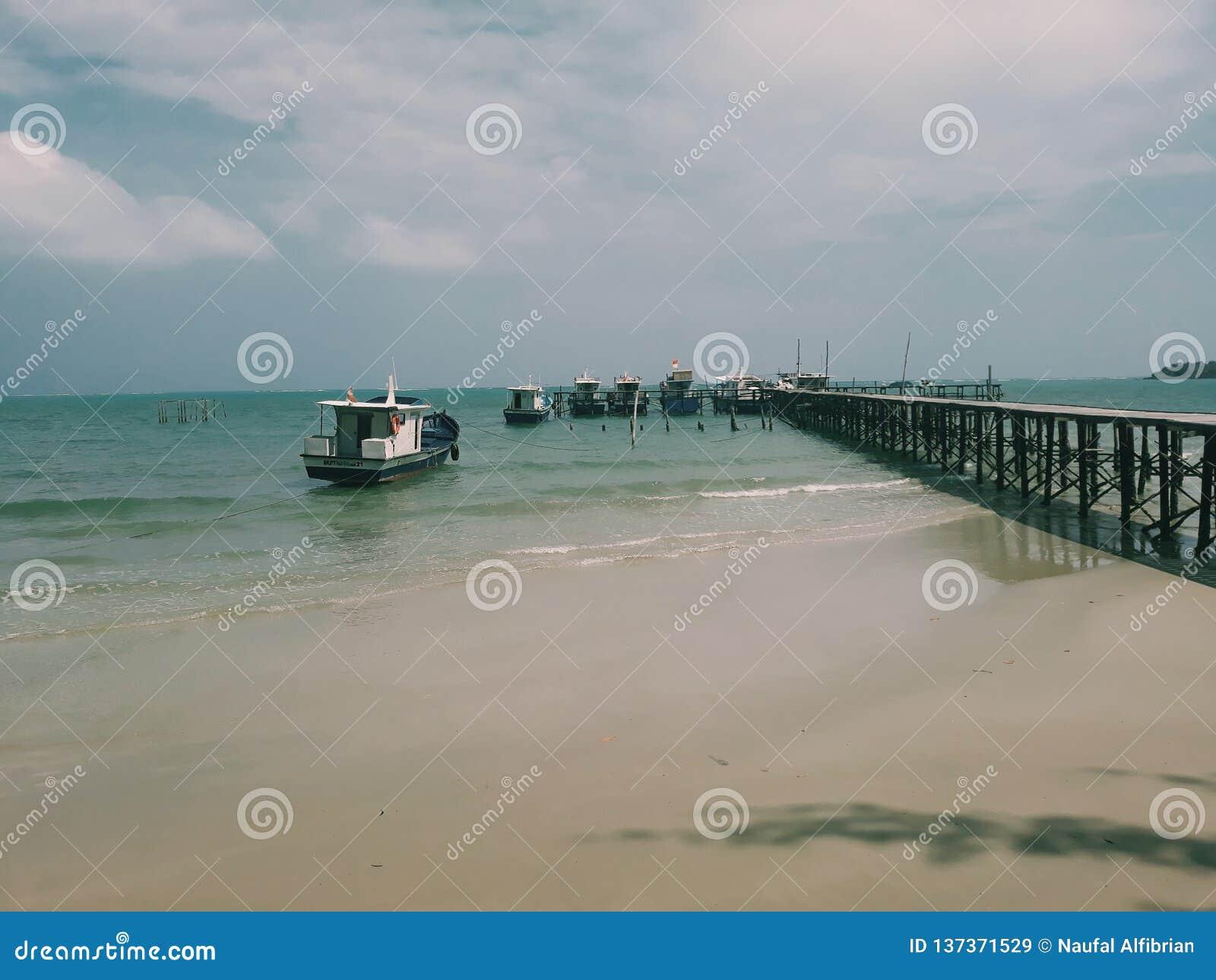 Dock de bateau de la Communauté, Natuna, Indonésie