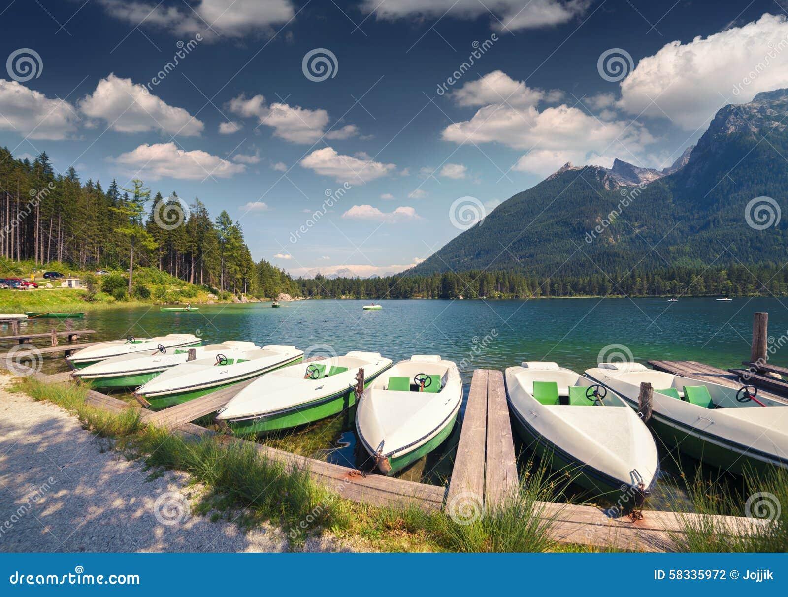 Dock De Bateau Sur Le Lac Hintersee Dans Les Alpes Tri Autrichiens