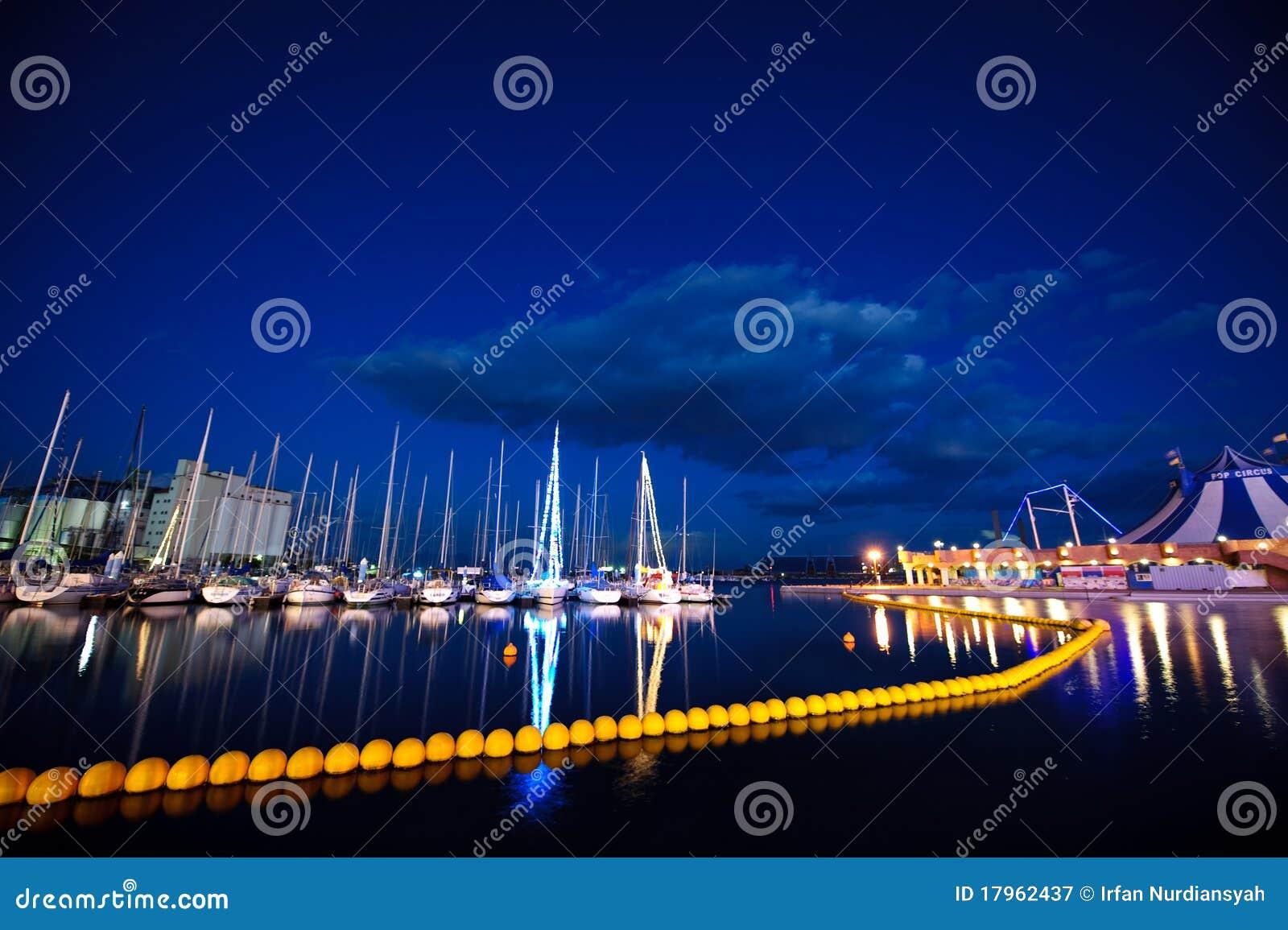 Docked yachts 04