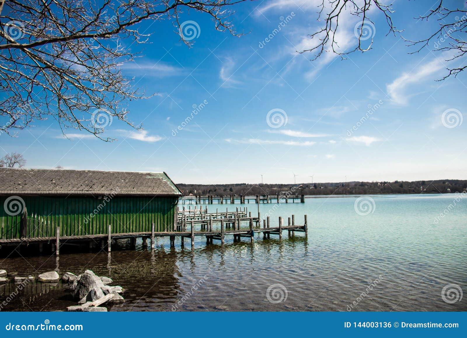Docks am See in Starnberg, Deutschland