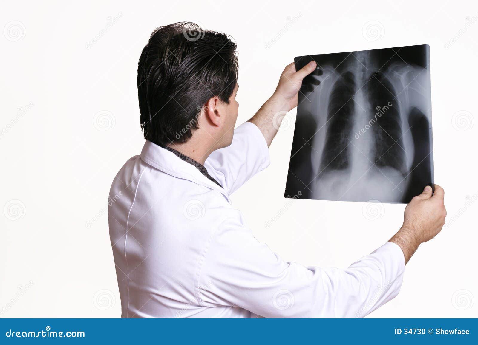 Docteur avec le rayon X