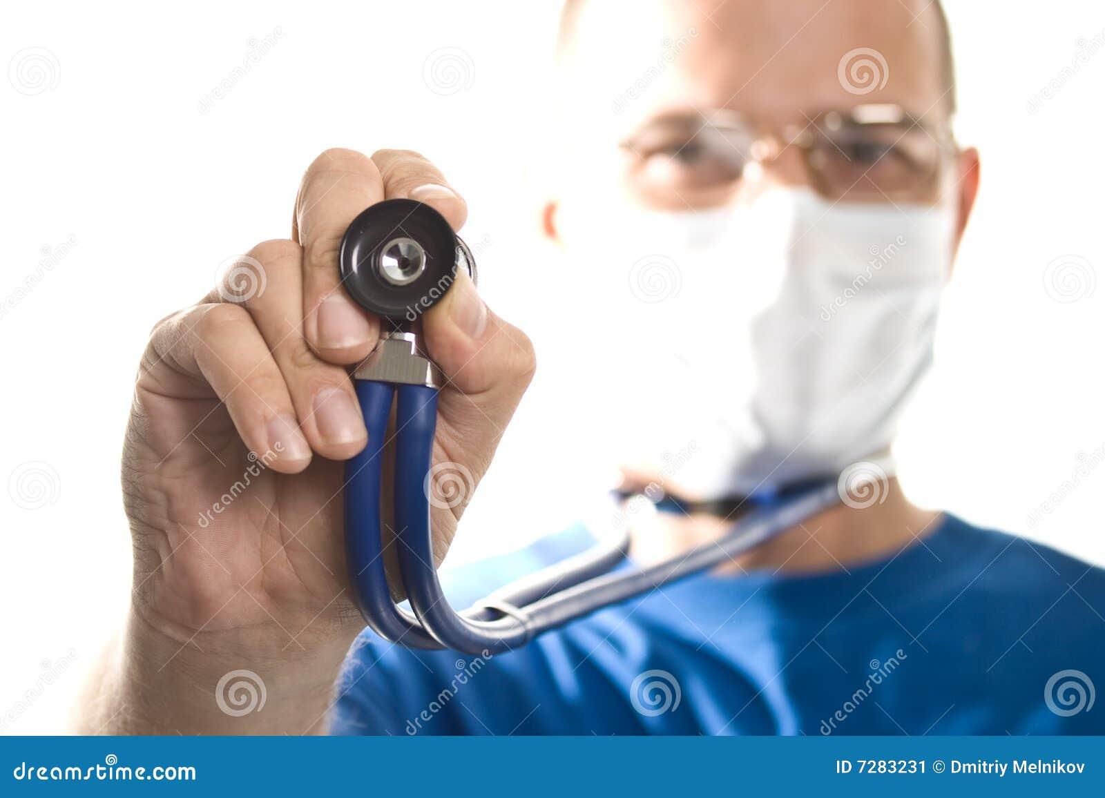 Doctor con el estetoscopio