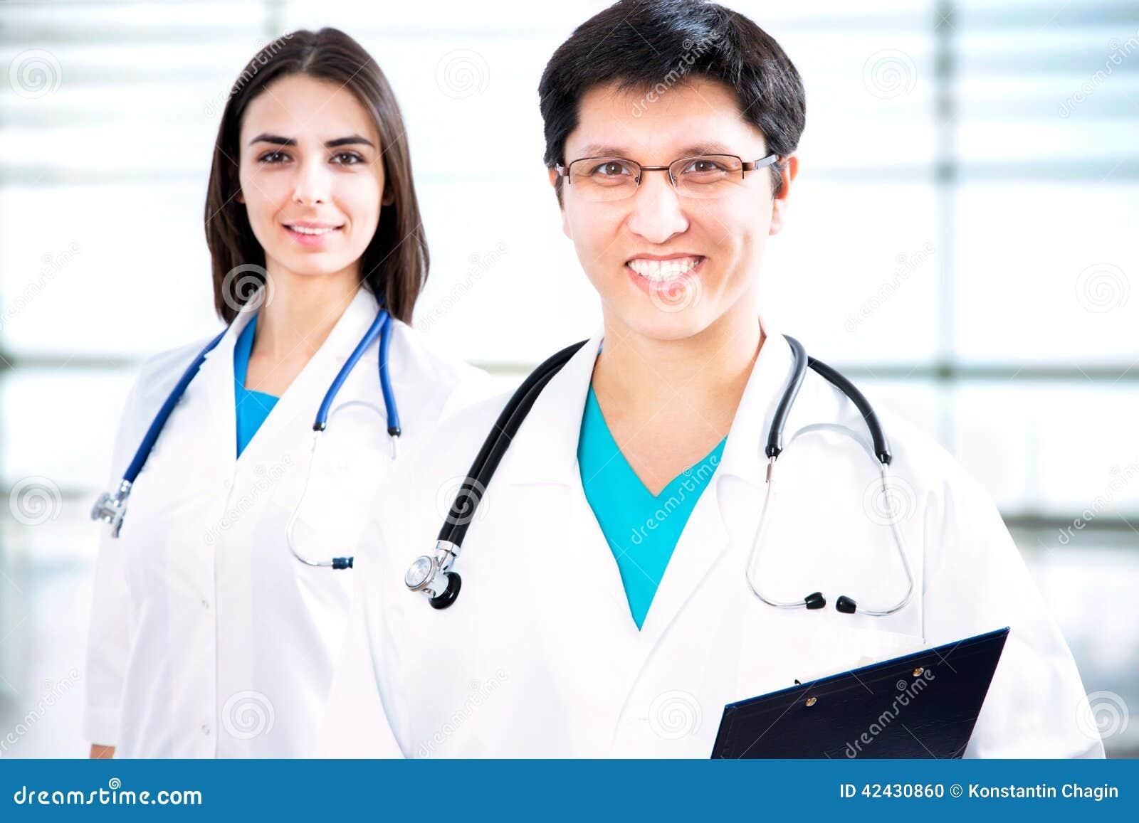 Doctores jovenes
