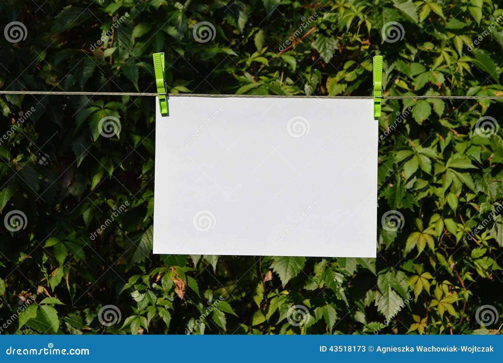 Document het hangen op de lijn
