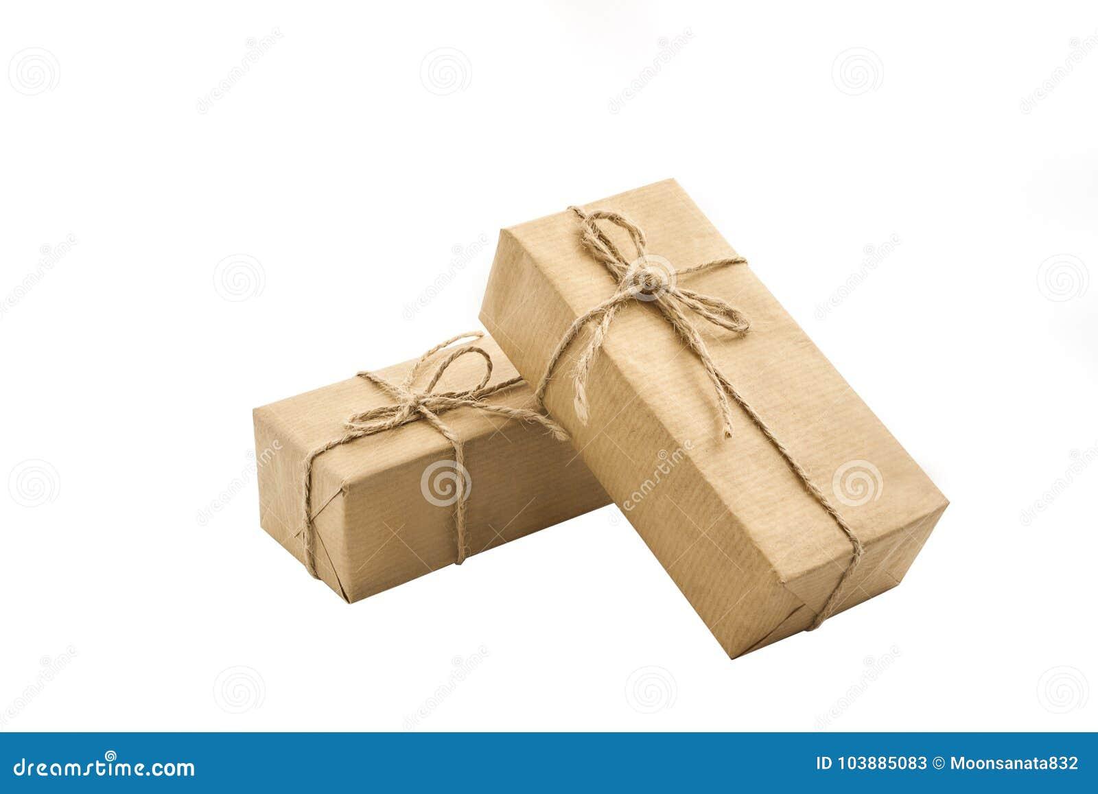 Document van de gift het vakje verpakte ambacht op de isolatieachtergrond