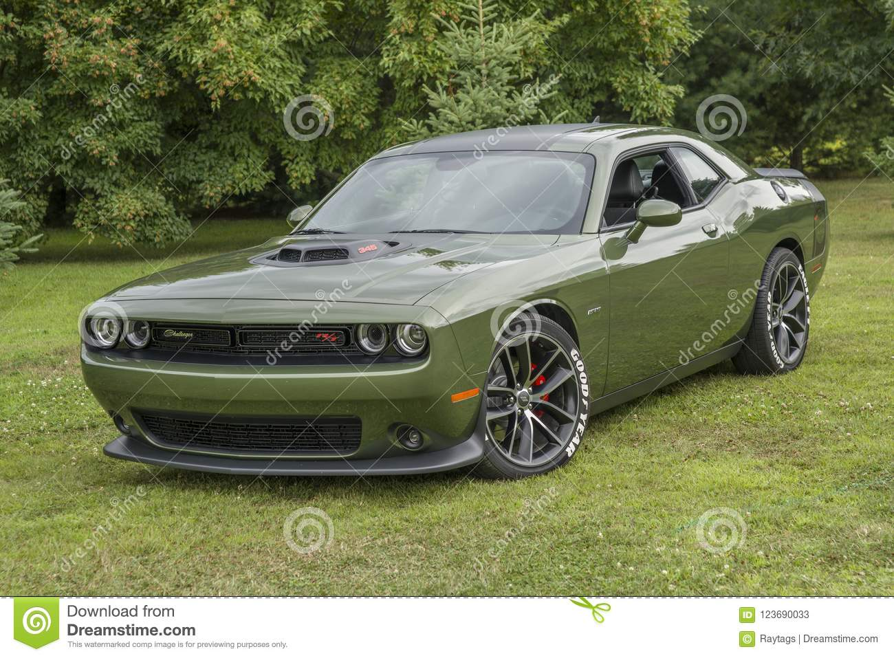 Green Dodge Challenger Photos Free Royalty Free Stock Photos From Dreamstime