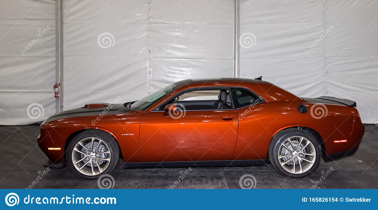 2020 Dodge Challenger 50th Anniversary Edition Editorial Stock Image Image Of Aerodynamic Muscle 165826154