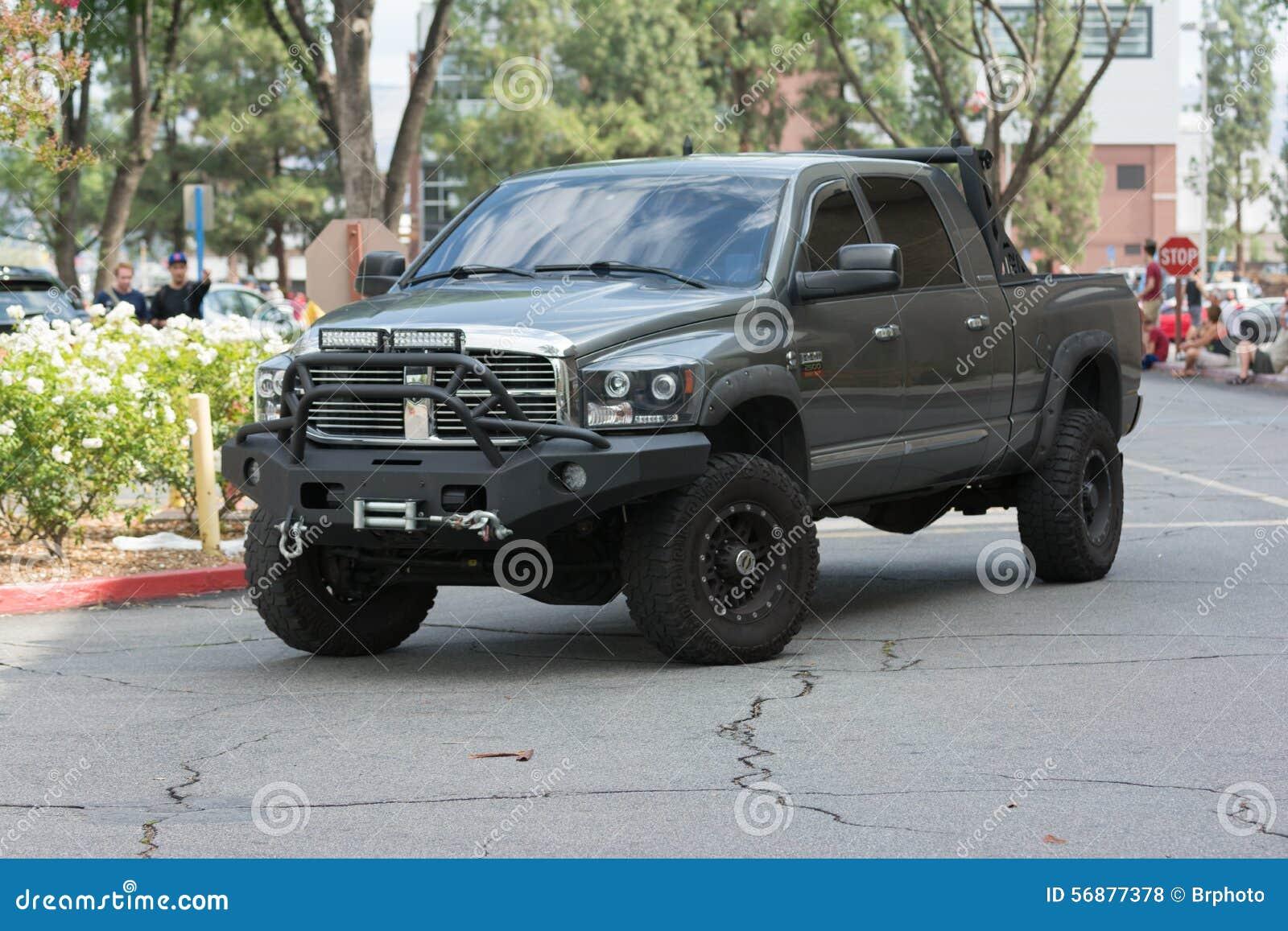 Dodge Ram Pickup su esposizione