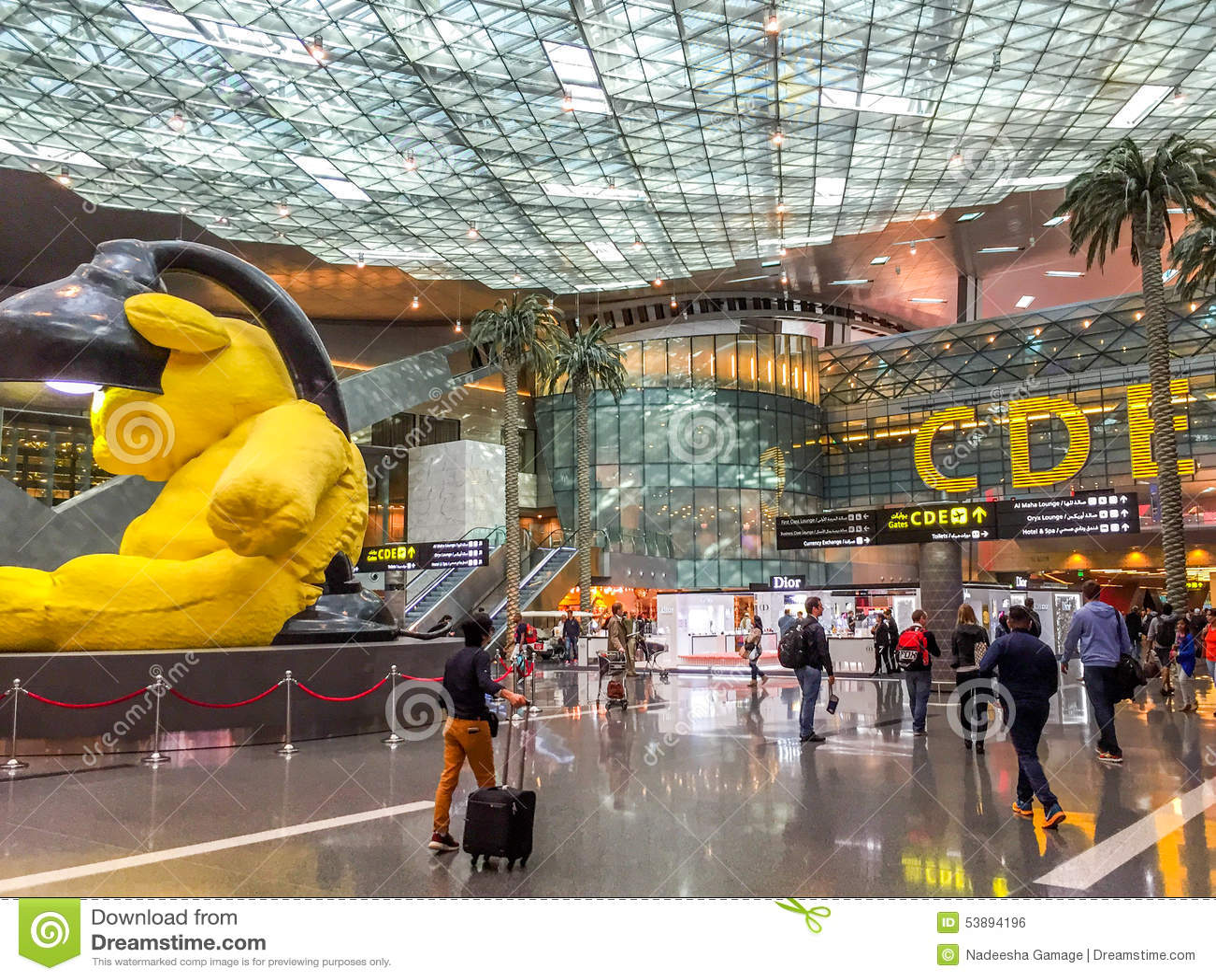 Aeroporto Del Qatar : Doha hamad airport editorial photo image of built duty