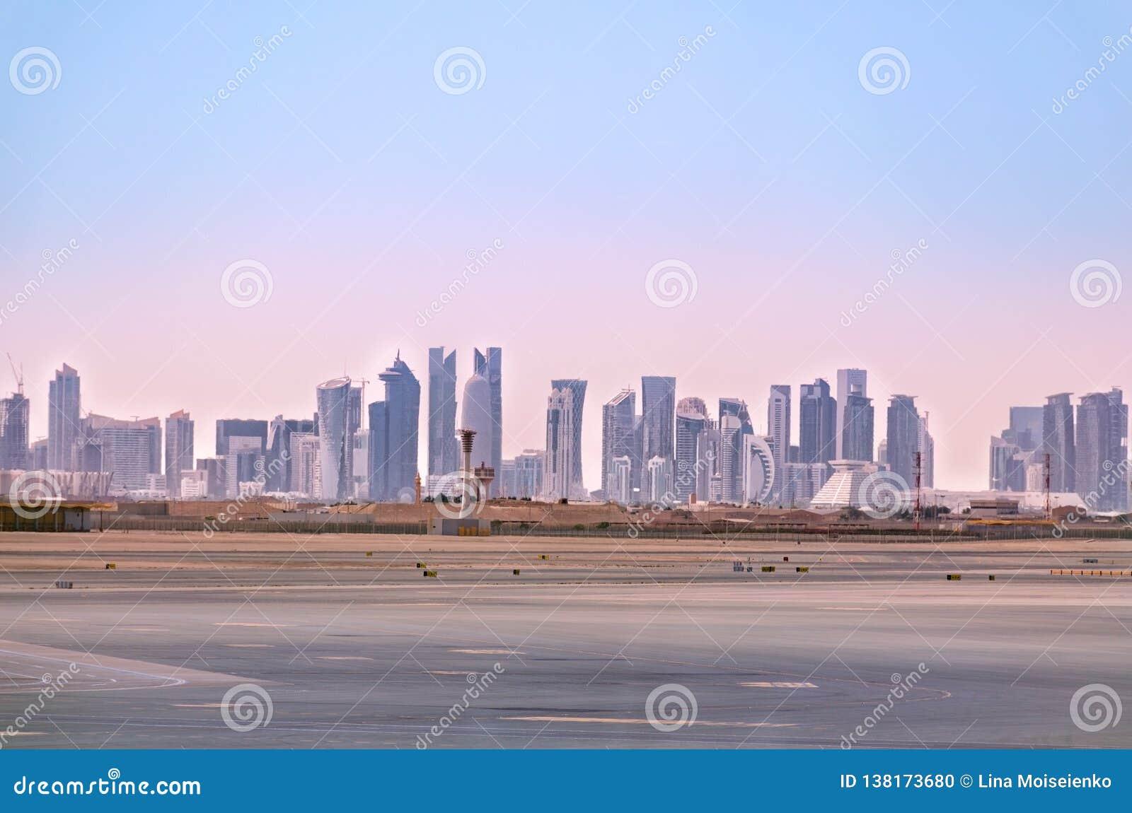 Doha horisont Cityscape av qatarisk huvudstad