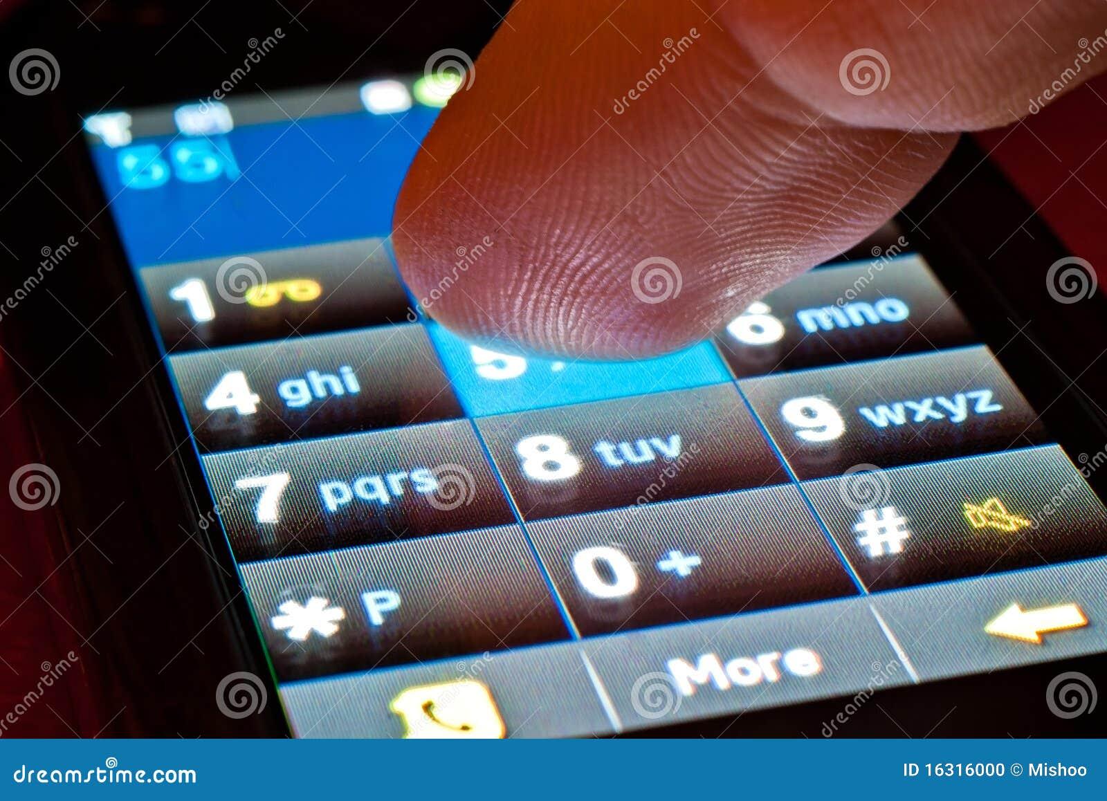 Doigt sur le smartphone
