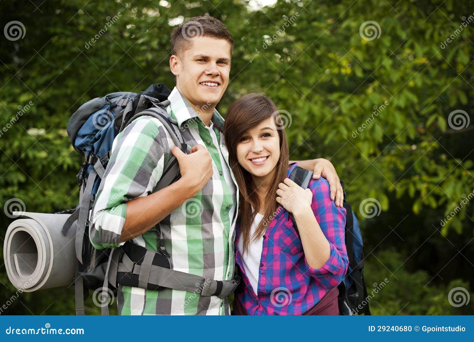 Download Dois caminhantes foto de stock. Imagem de backpacker - 29240680