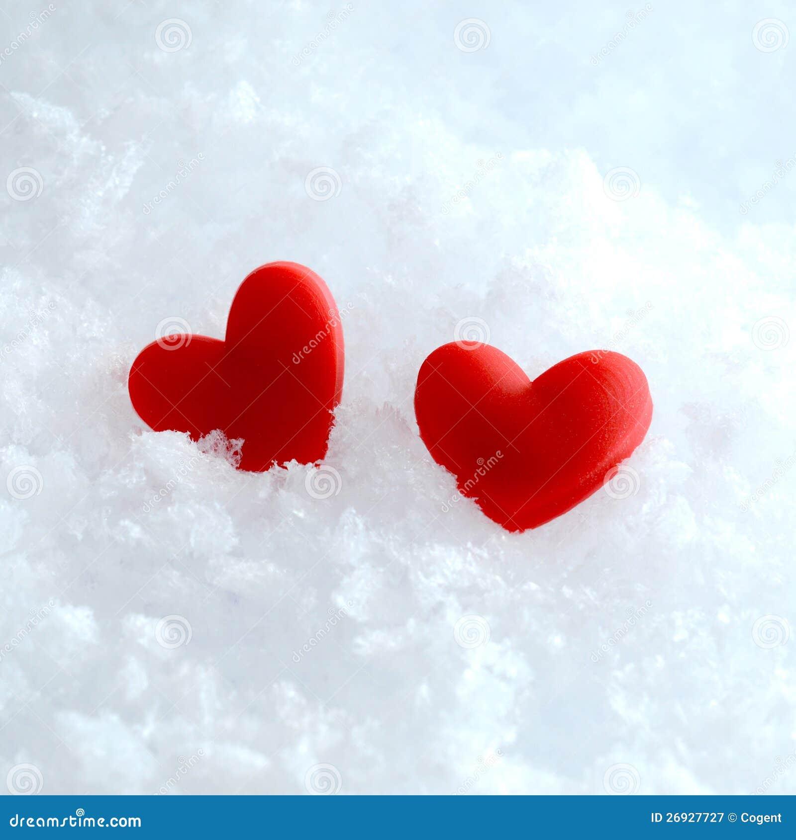 Dois corações na neve