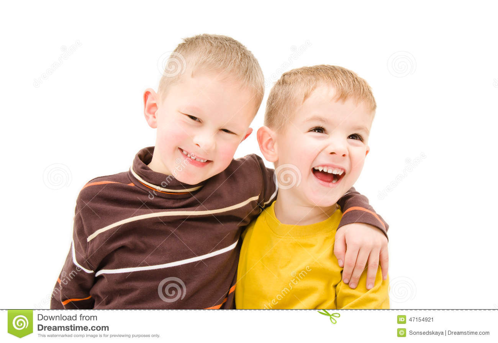 Dois meninos felizes