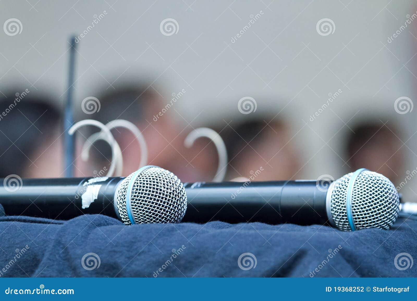Dois microfones
