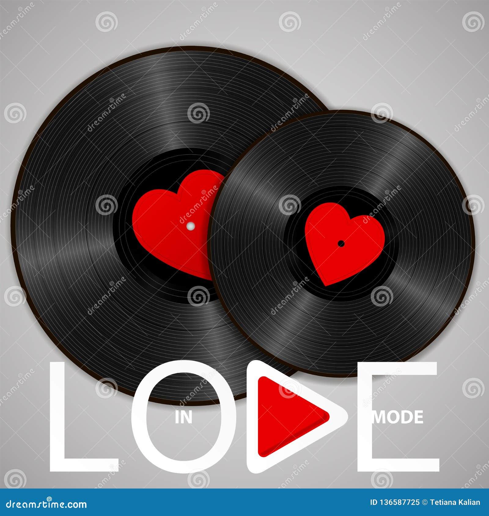 Dois registros de vinil pretos realísticos com etiquetas vermelhas do coração, rotulando no botão do modo e do jogo do amor Conce
