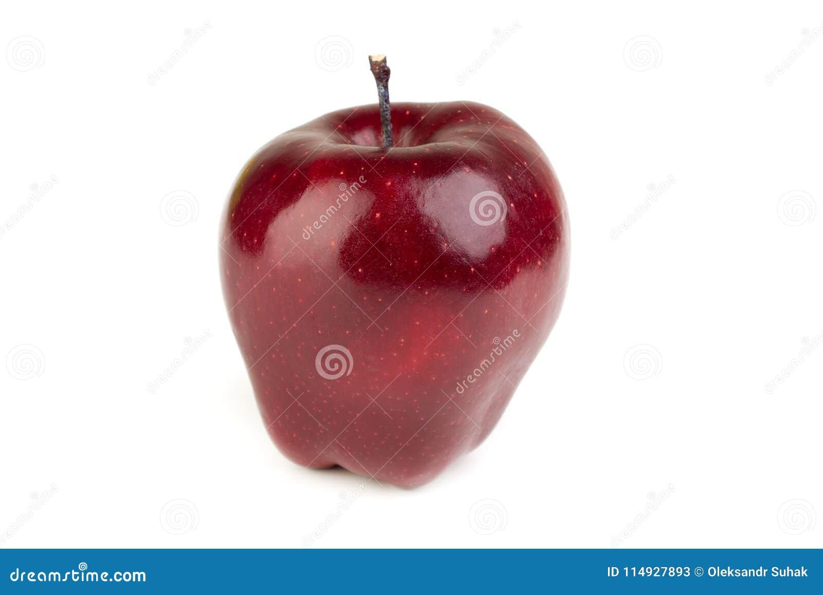 Dojrzały soczysty czerwony jabłko na białym tle