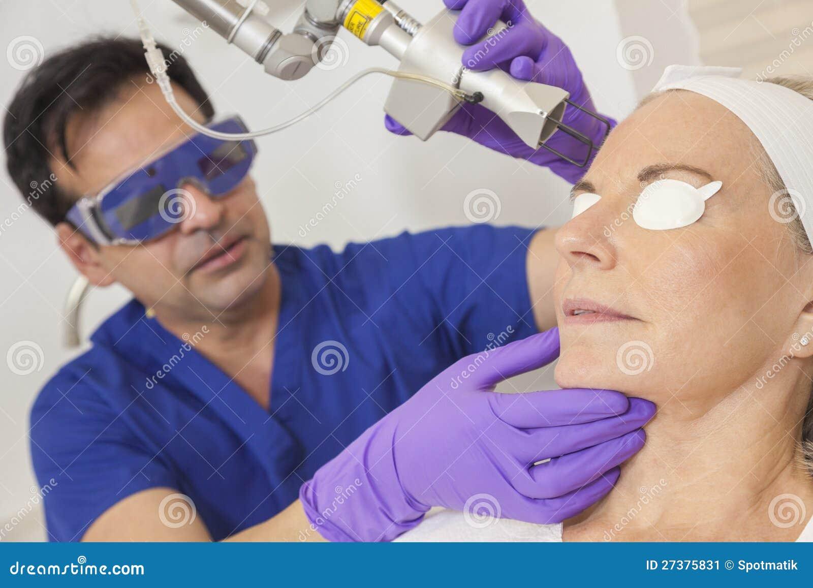 Doktor Laser Hud Behandling & hög kvinna