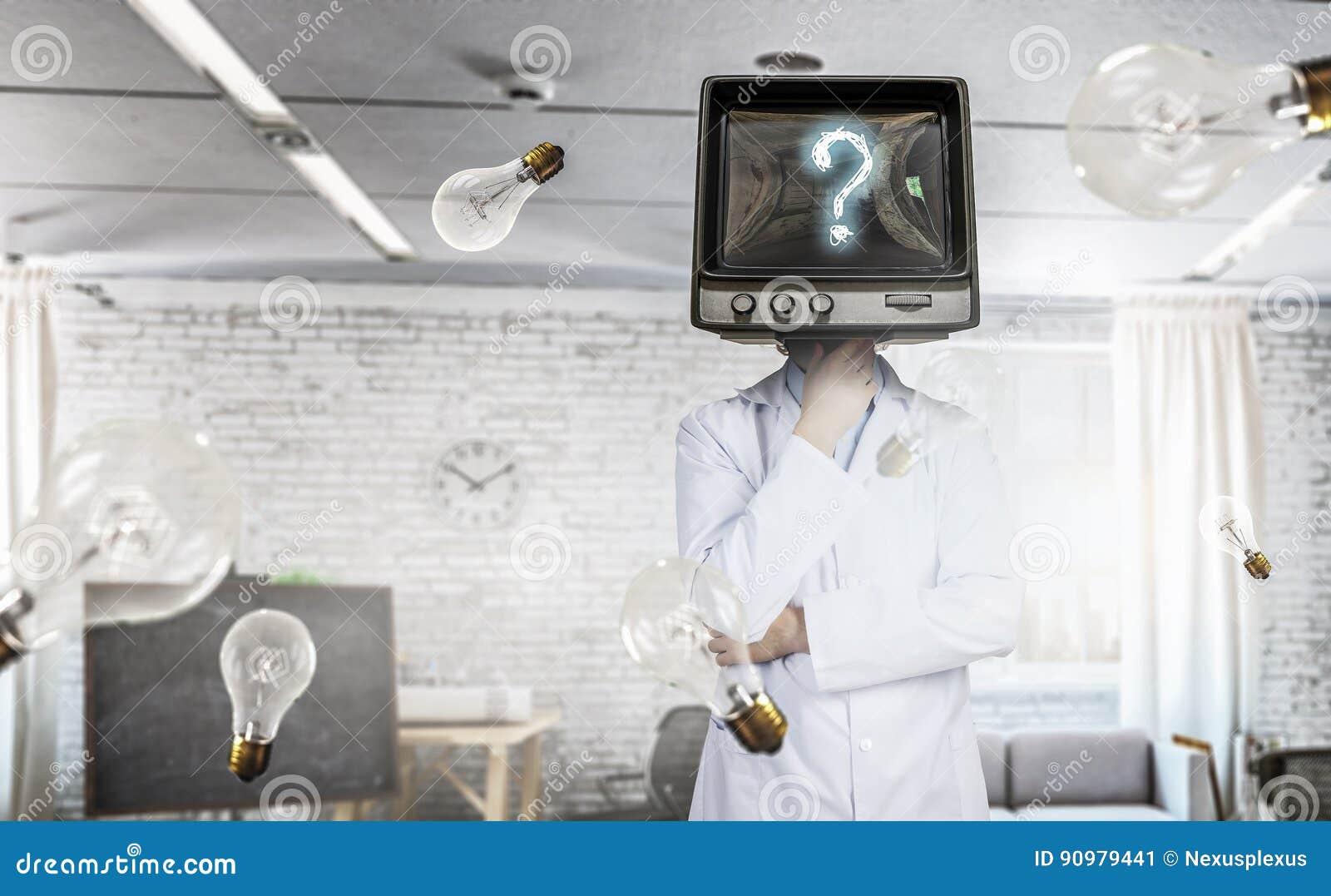 Doktor mit Fernsehen anstelle des Kopfes Gemischte Medien Gemischte Medien