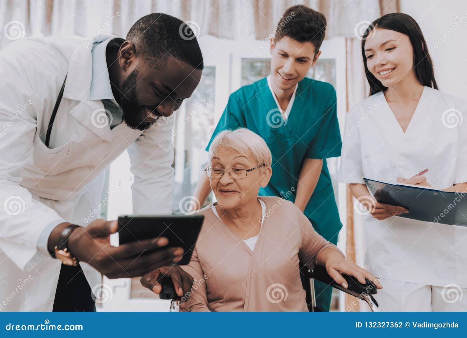 Doktorscy przedstawień wynik testu Bardzo Zdziwiony pacjent