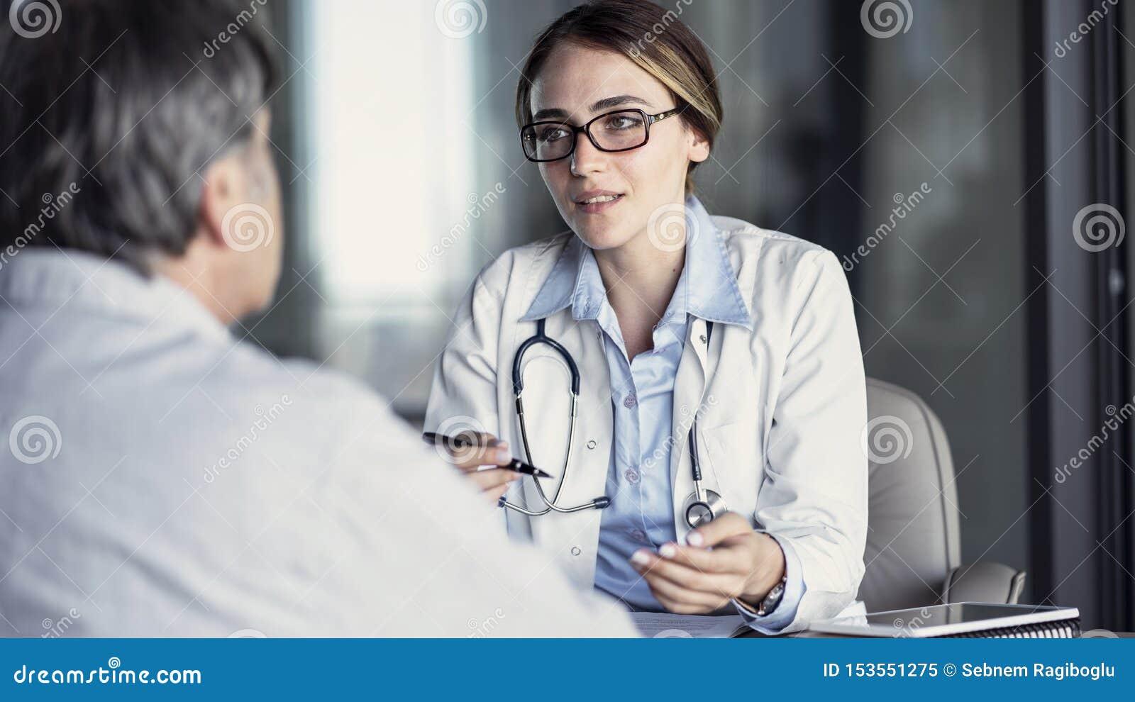 Doktorski opowiada? pacjent