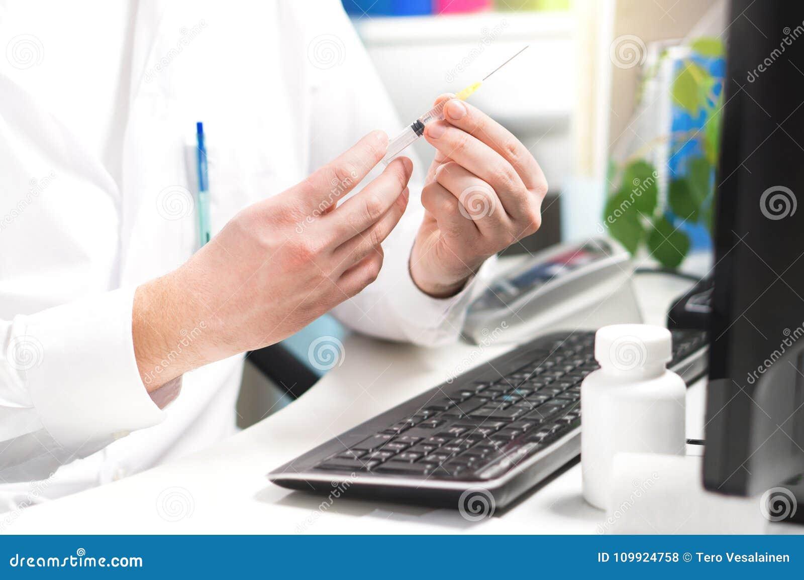 Doktorski testowanie, szczepionka, grypa lub grypa strzał narządzania,