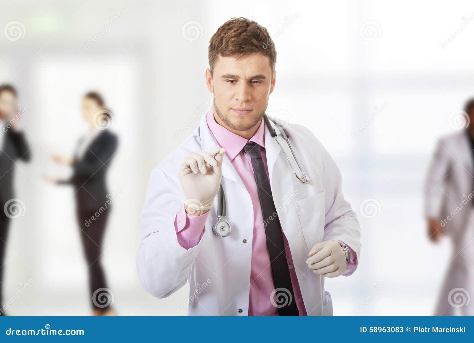 Doktorskiego mienia męska strzykawka
