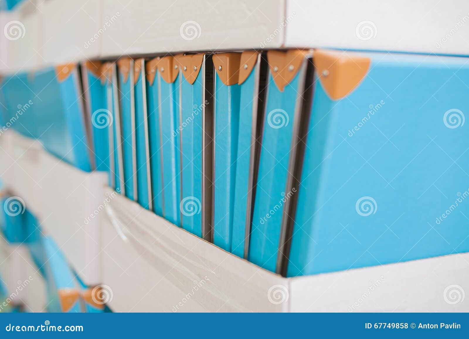 Dokumentacja stojak z pudełkami