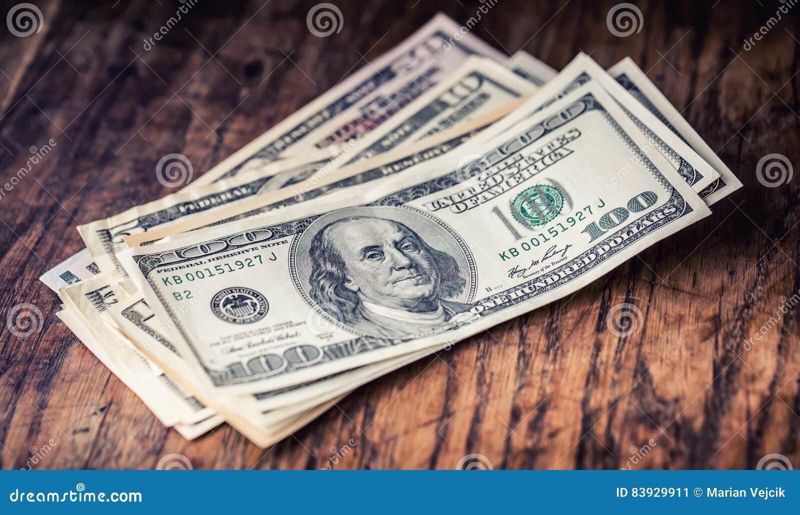 Dolary banknotu zbliżenia Gotówkowi pieniądze amerykanina dolary Zakończenie widok sterta USA dolary
