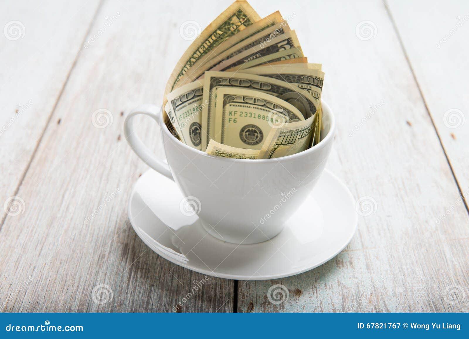 Dolary w filiżance