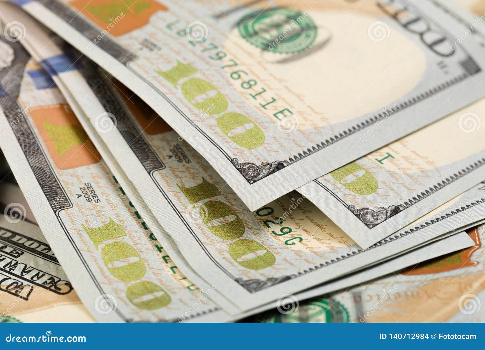 Dolary zbliżenia pojęcia Amerykańscy dolary Gotówkowego pieniądze dolar banknotów sto - Wizerunek