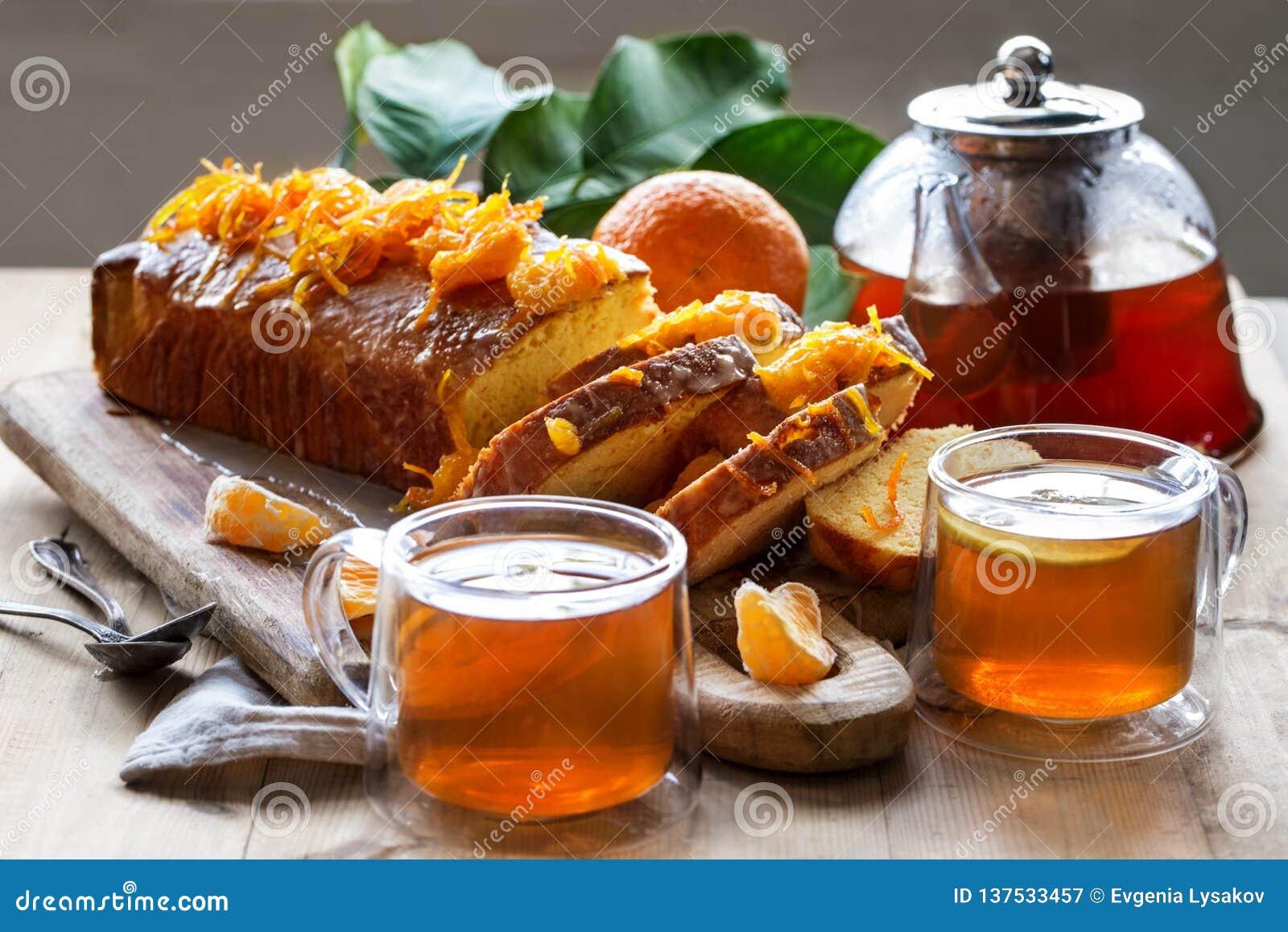 Dolce del mandarino con tè