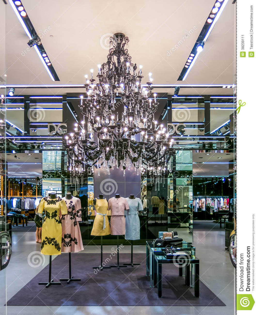 bb1ff8735f92 Dolce & Gabbana Boutique In Dubai Mall Editorial Photo - Image of ...
