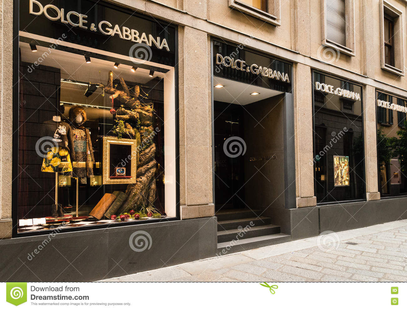 Dolce   Gabbana boutique. editorial photography. Image of milano ... c5ba5b3be1058