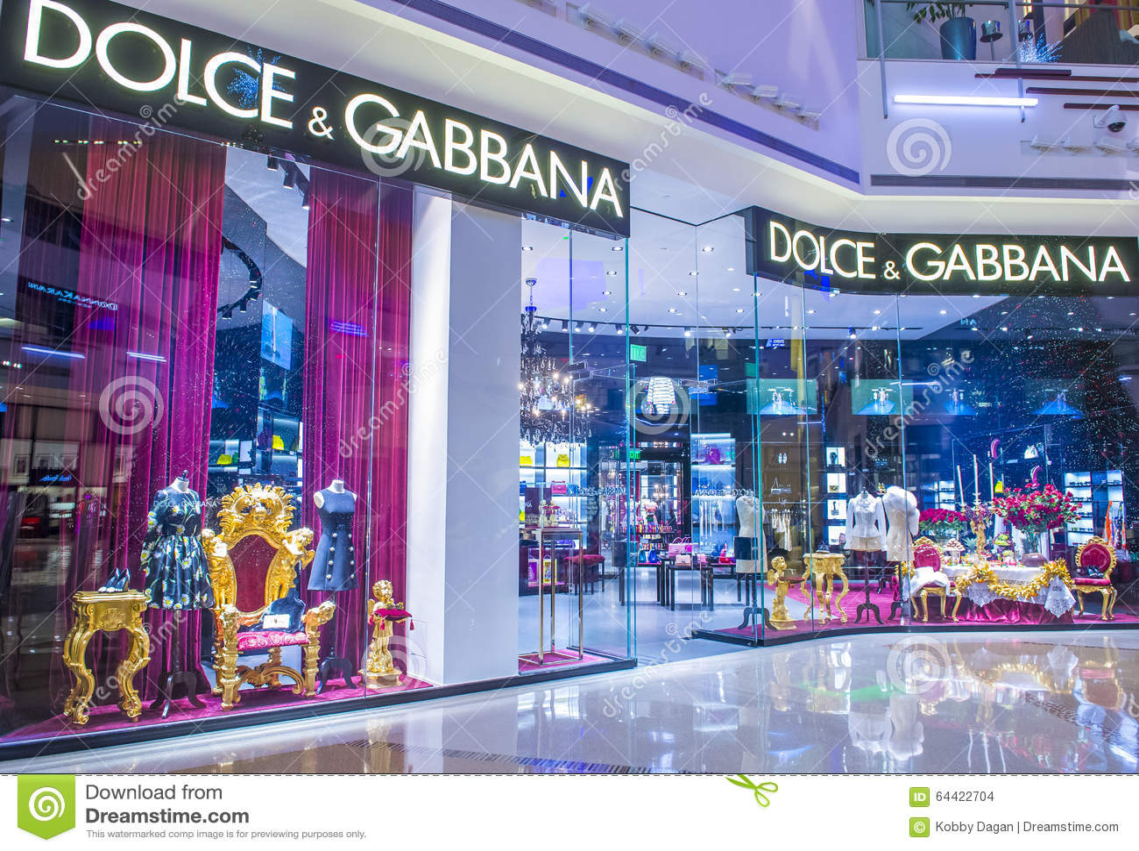 Clothing stores in las vegas strip