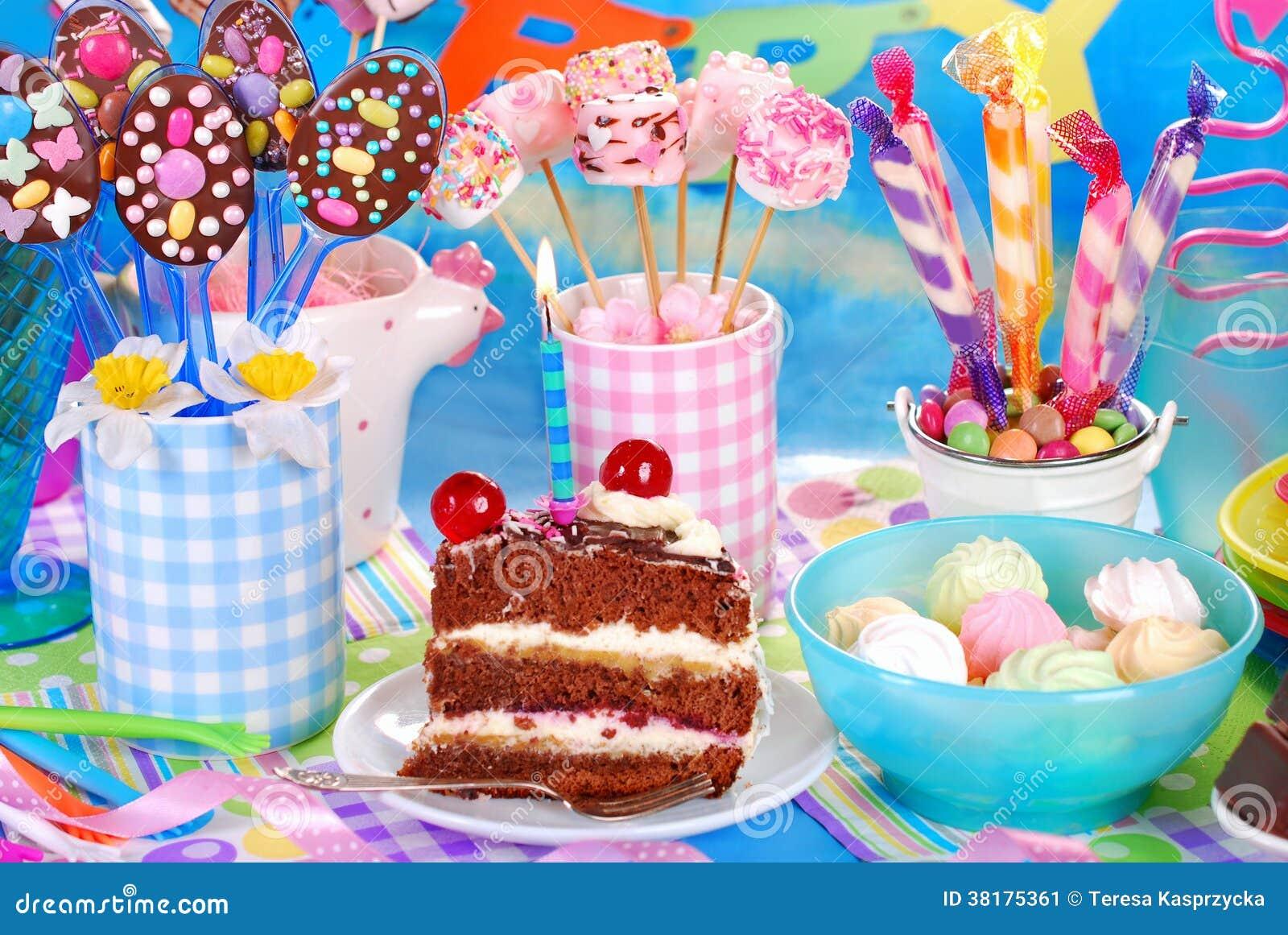 Ben noto Dolci Per La Festa Di Compleanno Dei Bambini Immagine Stock  RP63