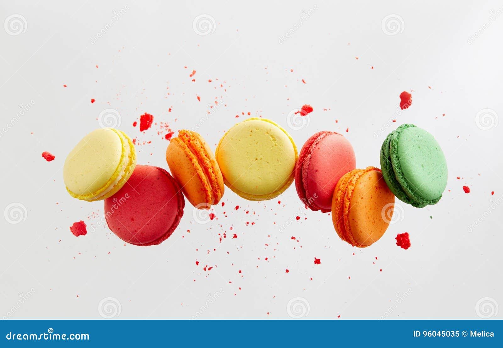 Dolci variopinti dei macarons