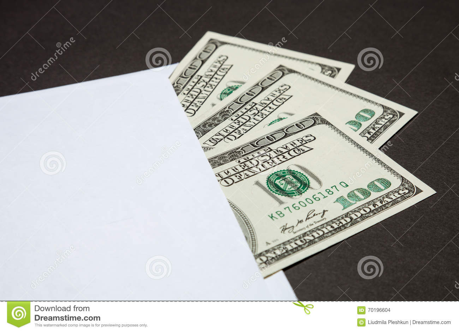 Dollar i det vita kuvertet