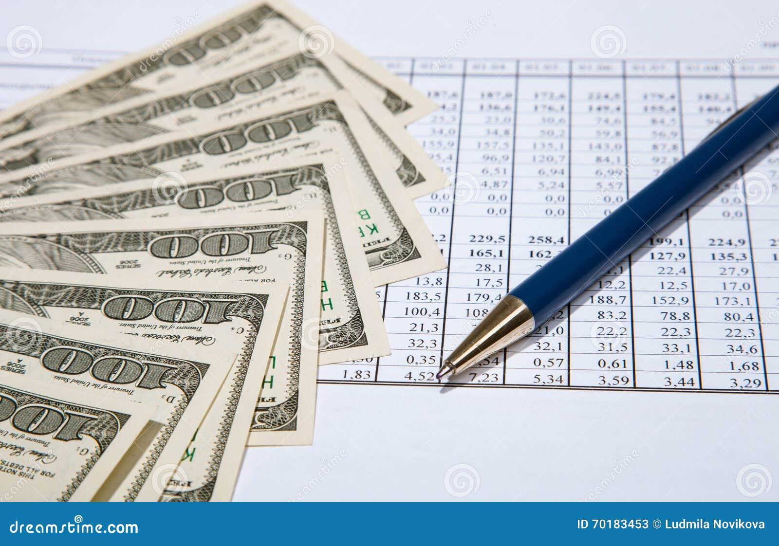 Dollar, penna och dokument