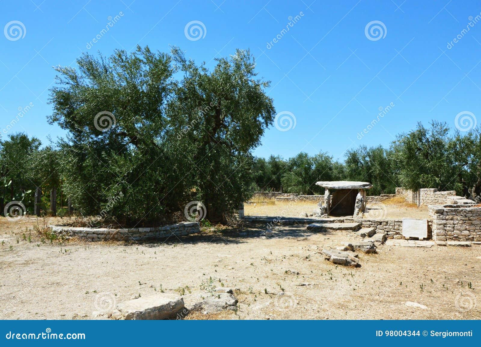 Dolmen della Chianca in Bisceglie-Stadt, Apulien, Italien,