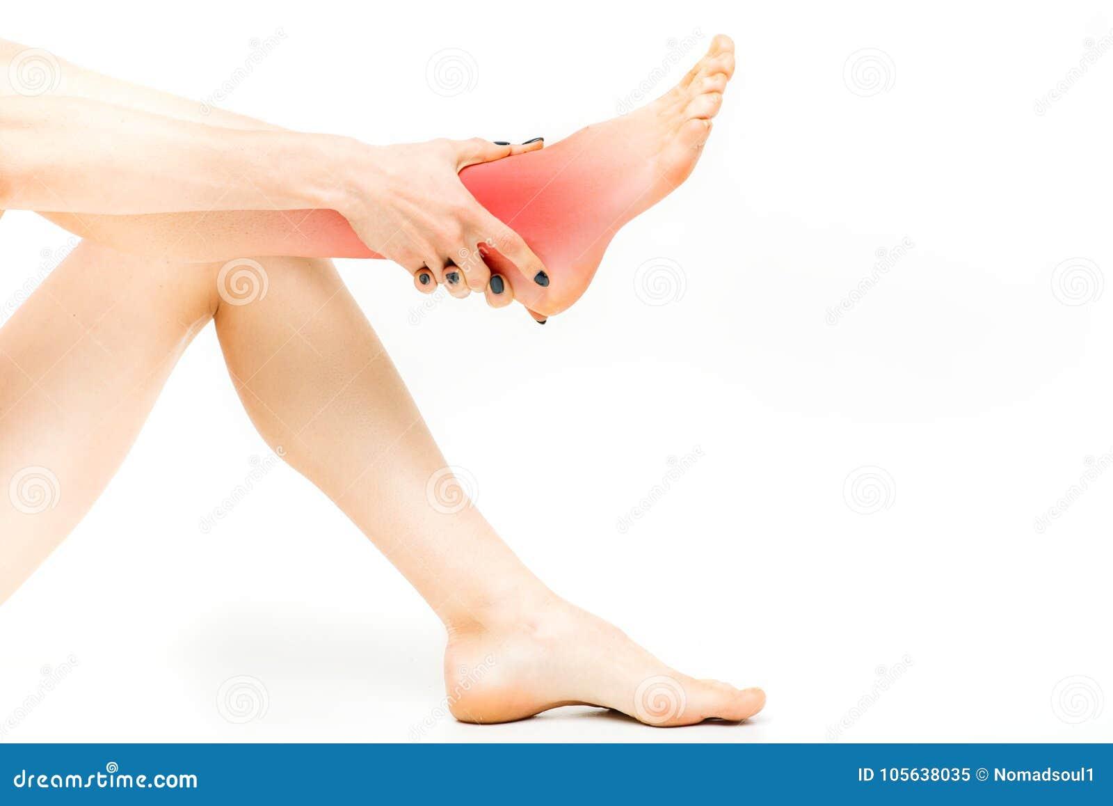 Dolor común, persona femenina con estirar de la pierna