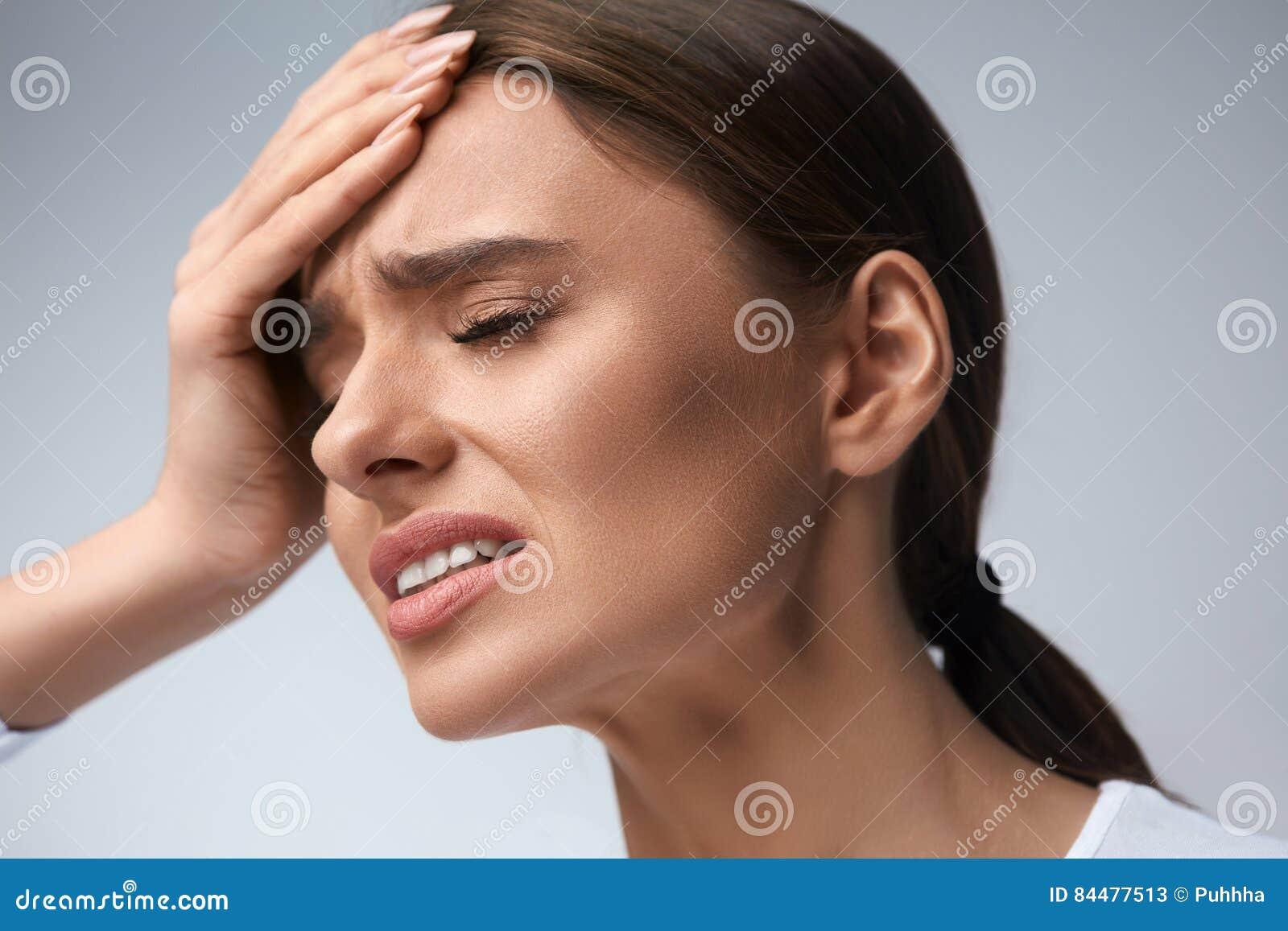Fuerte dolor de cabeza y fiebre