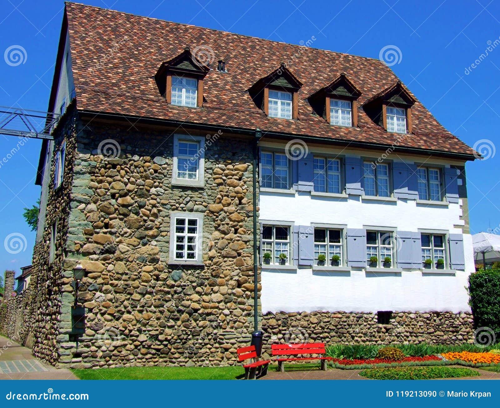 Dom, dom, architektura, budynek, dach, cegła, stara, niebo, nieruchomość majątkowa, mieszkaniowy, nadokienny, chałupa, okno, powi