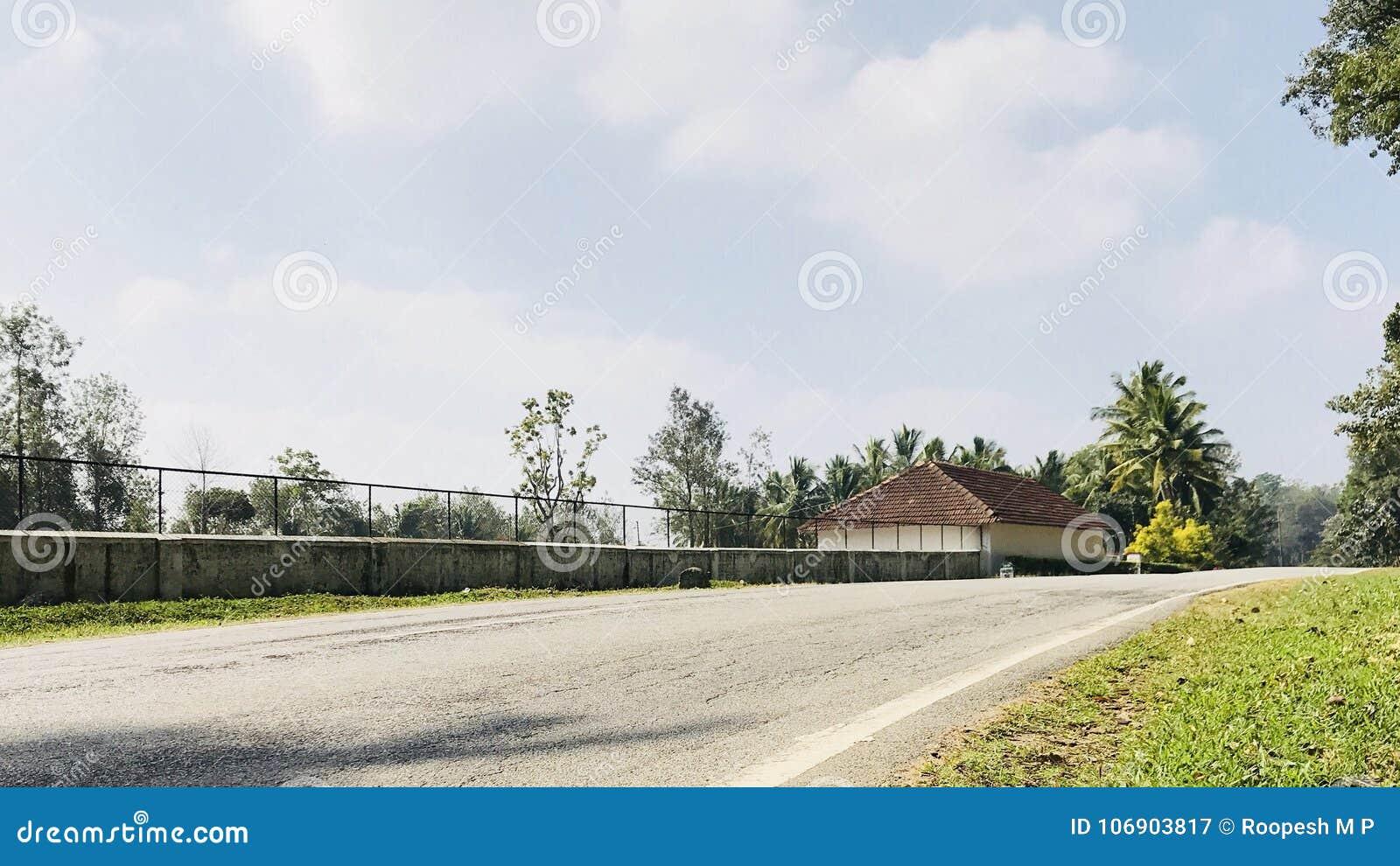 Dom na autostradzie