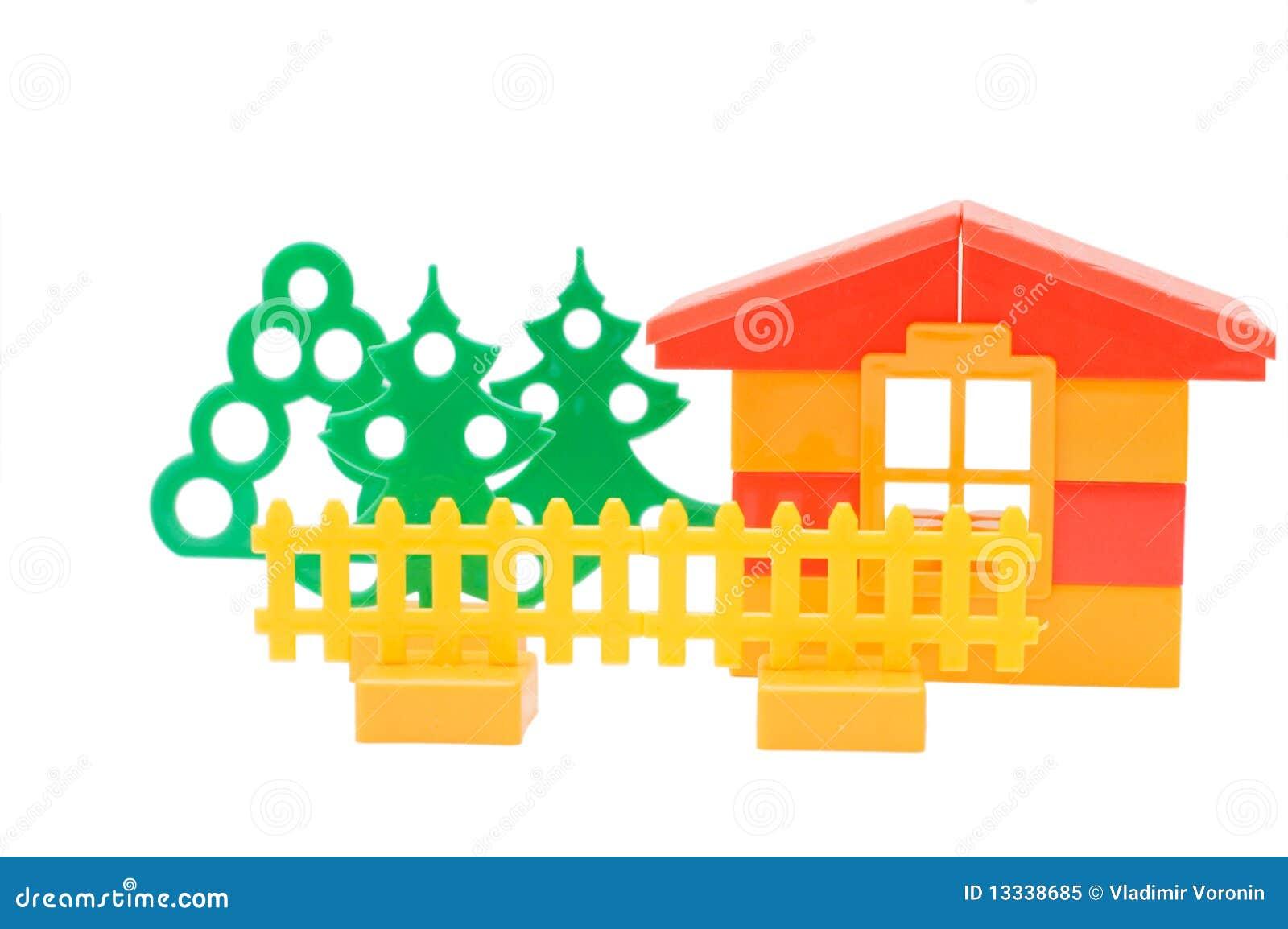 Dom odizolowywający nad zabawkarskim biel
