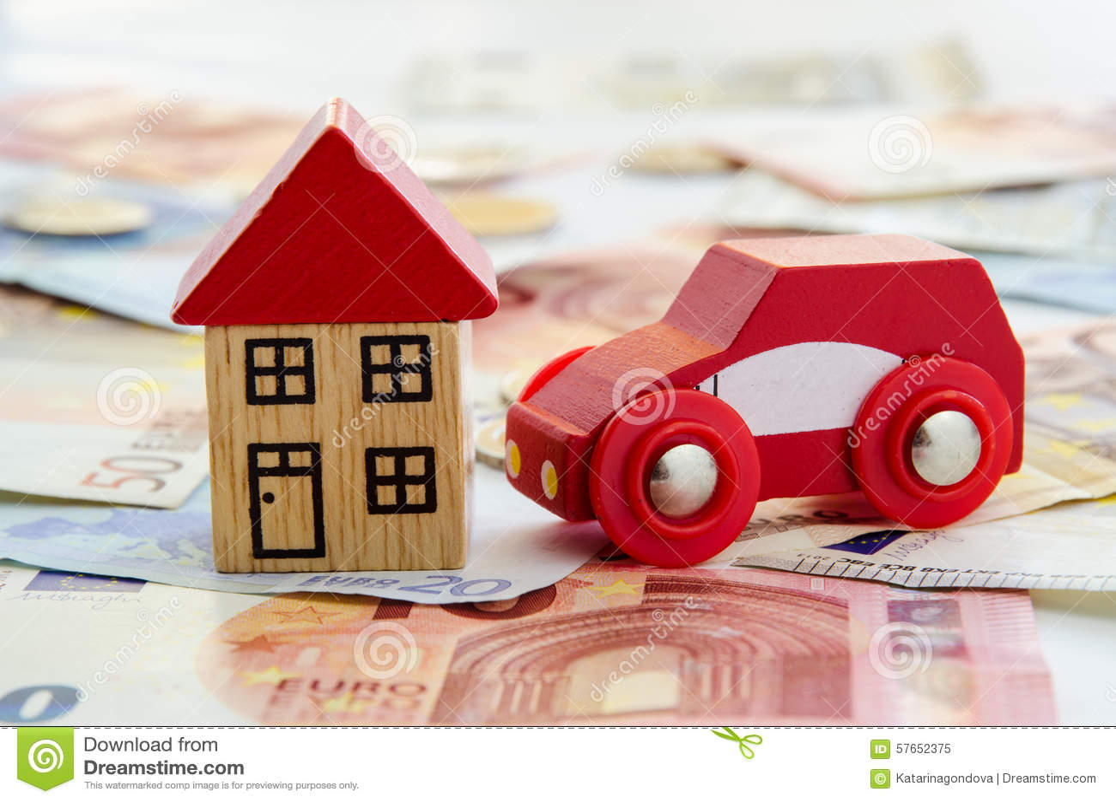 Dom, samochód i banknoty,