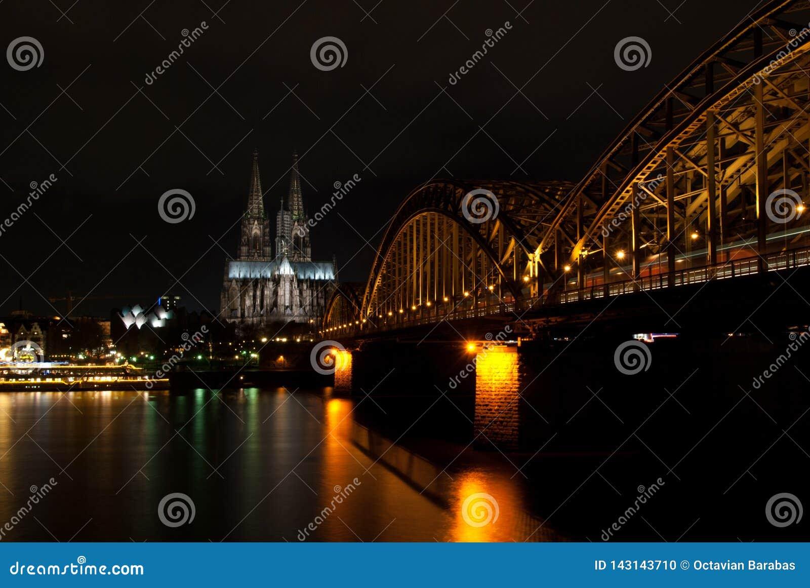 Dom von Cologne nachts