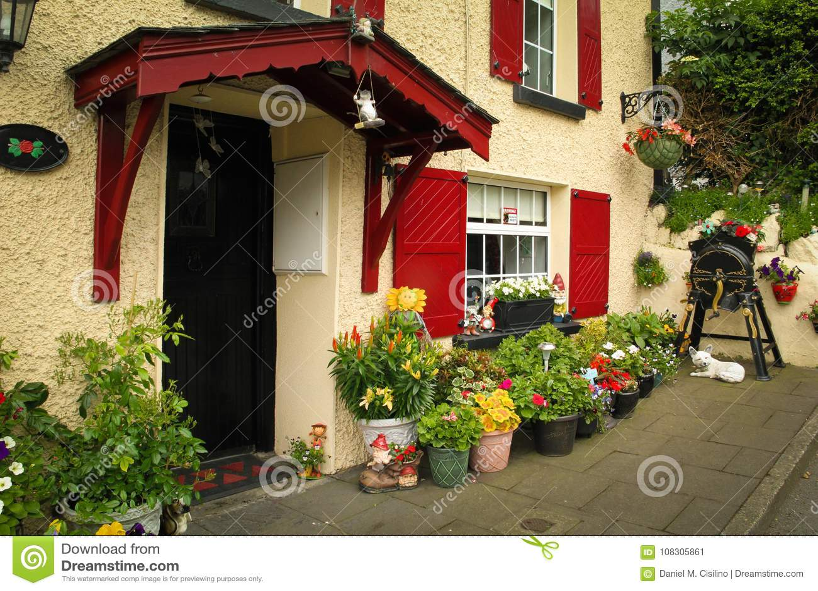 Dom z przodu ogródem Inistioge Irlandia